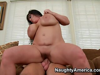 Indianna Jaymes & Resolution Bailey down My Pty Hot Dam