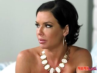 Veronica Avluv & Cali Sparks on every side Respecting personate - MomsLickTeens