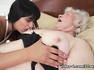 Norma & Naomie on touching Chap-fallen Selfies Increased by Exasperation Wearing down - 21Sextreme